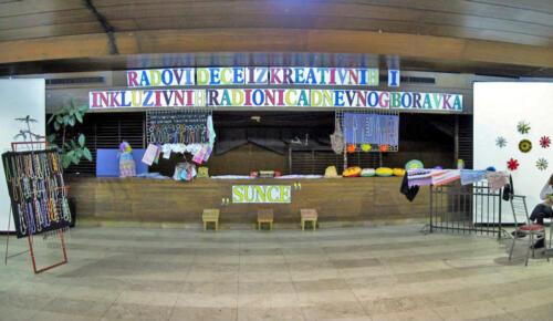 """2011. Prodajna izložba radova dece iz Dnevnog centra """"Sunce"""""""