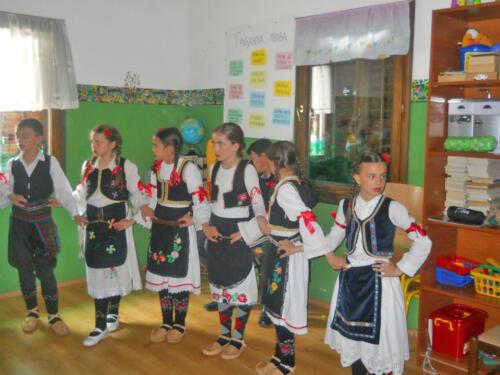 "2012. Folklorni ansambl Doma kulture u Dnevnom centru ""Sunce"""